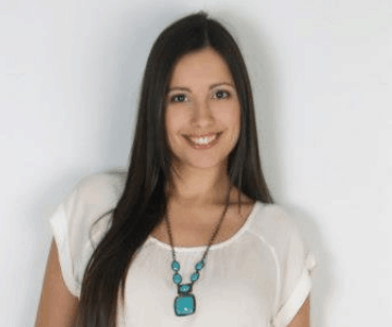 Leslie Cruz, Product Marketing Manager
